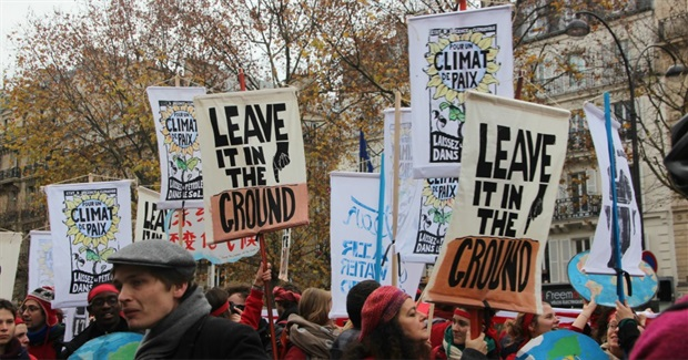 """Global Elite's Theater"": Paris Deal Is Mere Starting Point for Climate Justice"