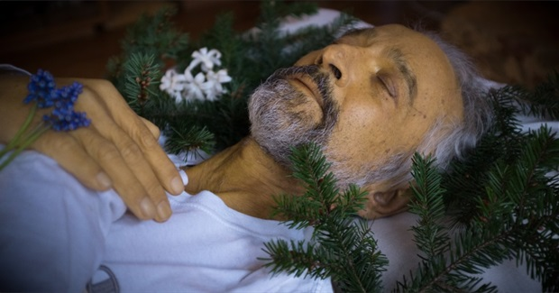 A Different Way to Die: the Story of a Natural Burial
