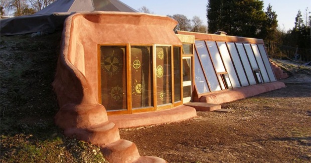 Earthships  -  The Ultimate Green Homes