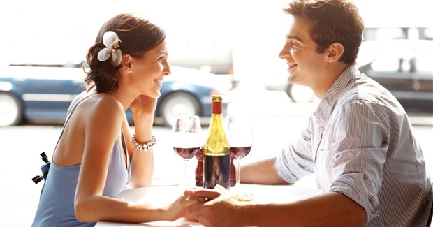 7 Ways to Look Impressive on a First Date