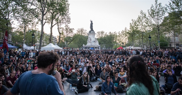Finding Warmth in a Dark Place: a Glimpse of #Nuitdebout
