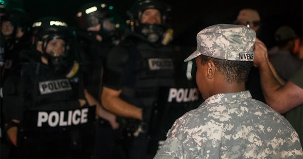 Incredible Photographs and Witness Statements from Charlotte and Baton Rouge Protests