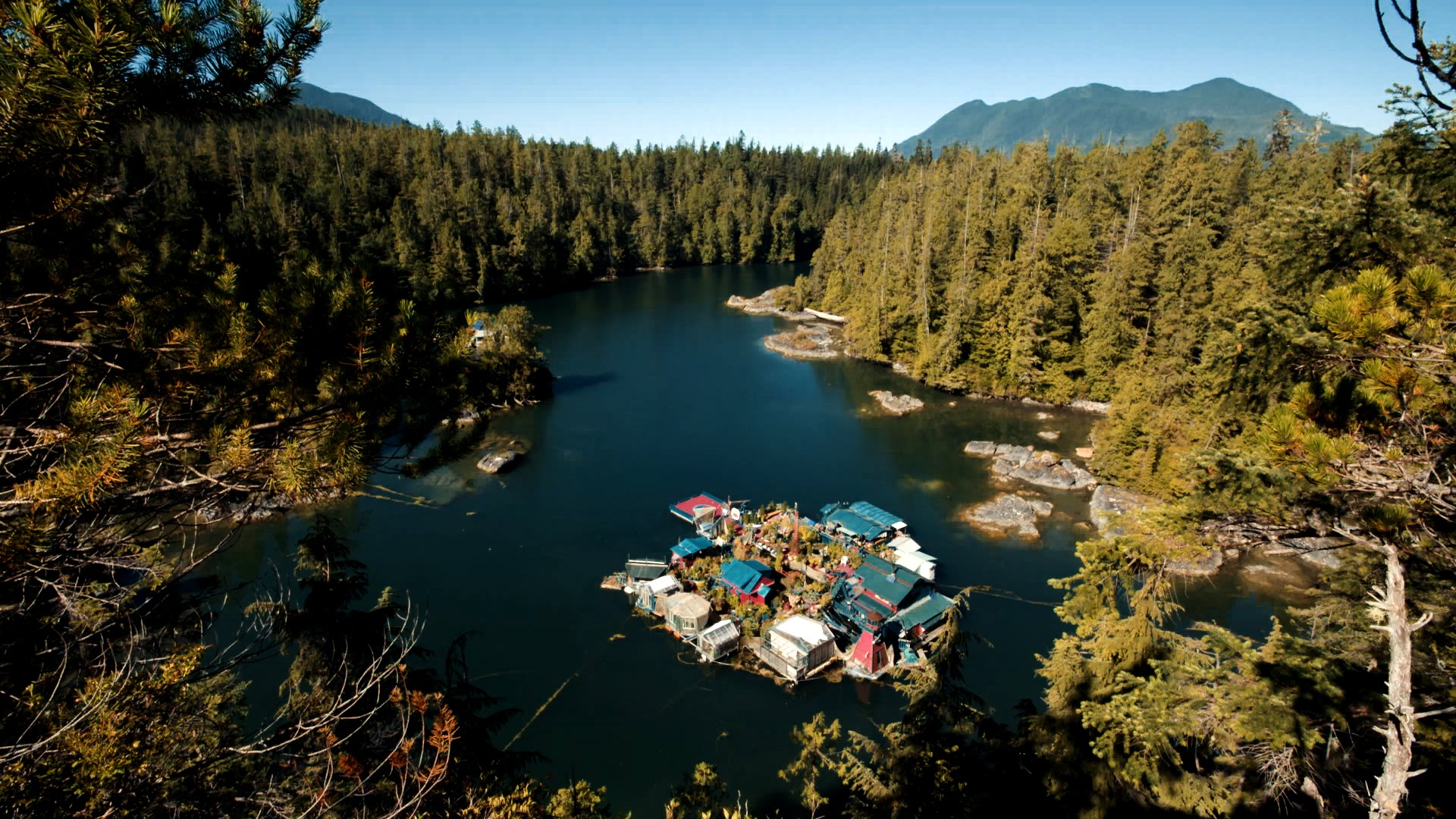 This Off Grid Handmade Island is One of the Most Amazing Homes in the World